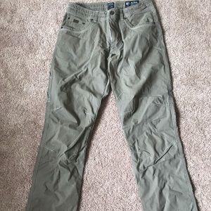 Men's lightly worn Kuhl Pants